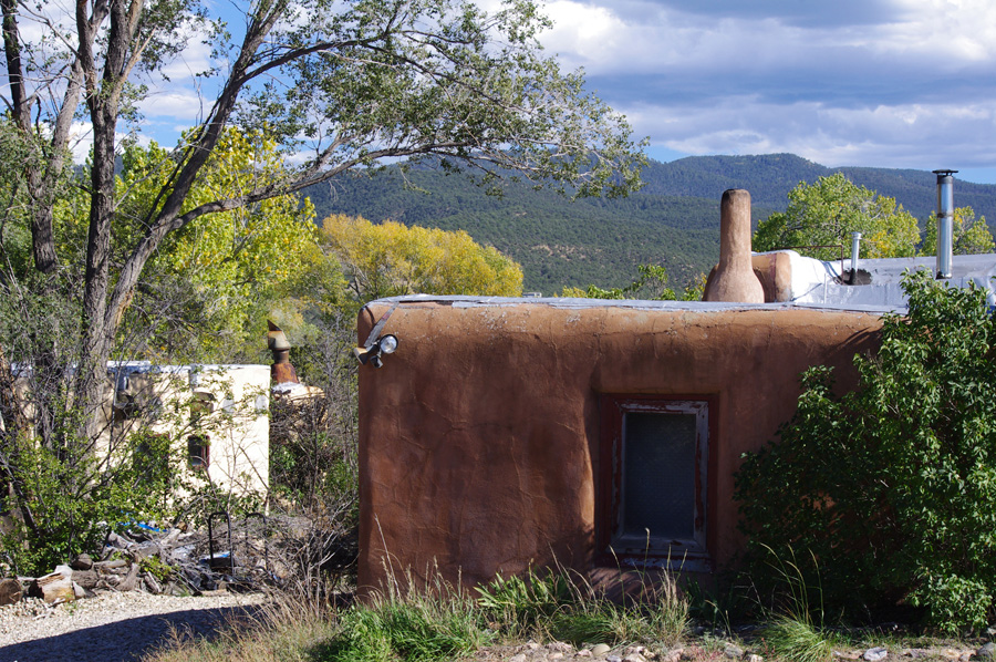 old adobe houses in Taos, NM