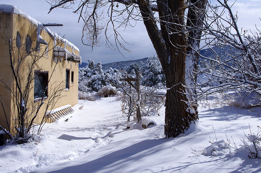 old adobe house in Taos, NM