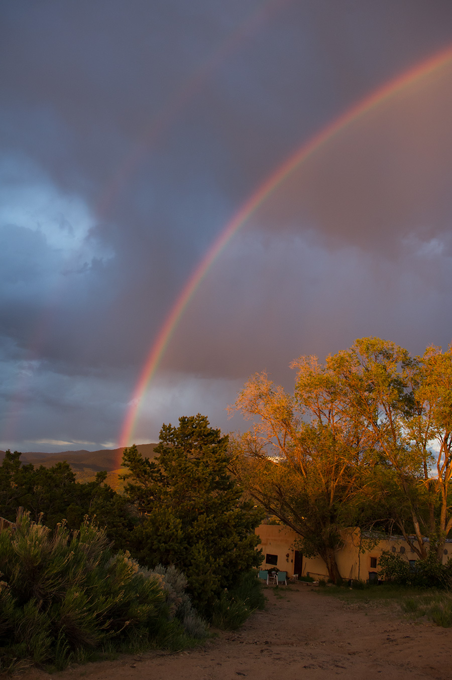 rainbow over Llano Quemado (Ranchos)