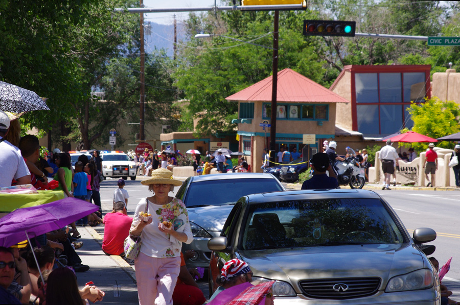 fiestas parade about to start in Taos, NM
