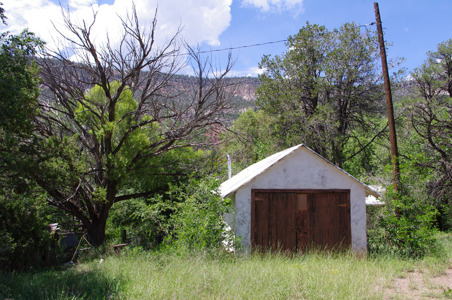 garage in Jemez Springs, NM